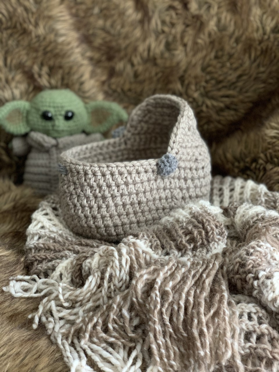 Space Pod for The Child 7 inch Doll free crochet pattern